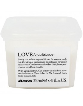 Davines Essential Haircare LOVE/ curl conditioner